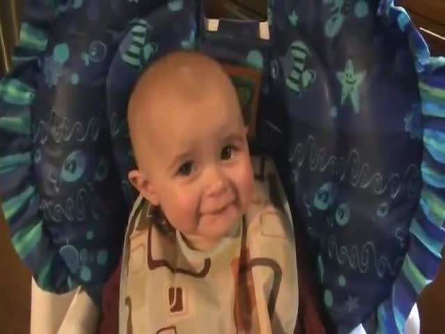 10-Month-Old Baby Gets Emotional Tears When Her Mother Sings