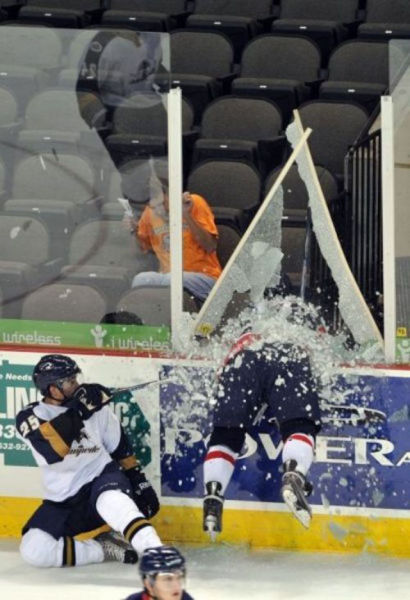 An Amusing Collection of Perfectly Timed Sports Photos