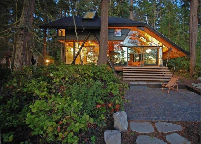 This Is What a House in the Woods Should Look Like