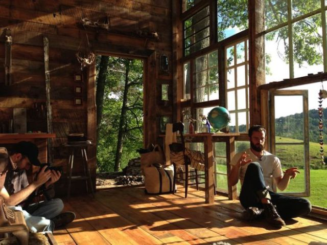 An Awesome Mountain Cabin Built on a Budget