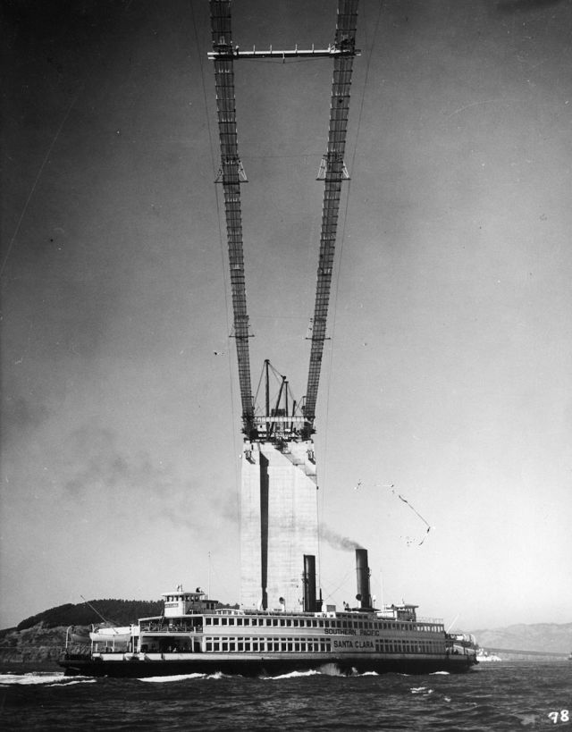 Vintage Photos of the Golden Gate Bridge Being Built