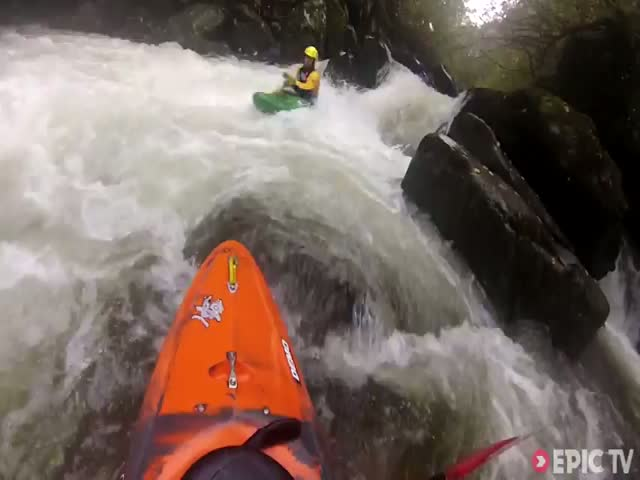 Scary Moment When Kayaker Gets Trapped Underwater