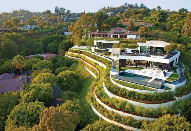 An Elite Californian Mansion with the Best Views