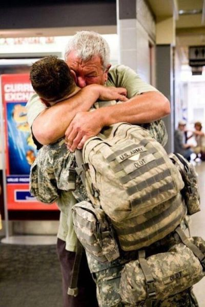 Moving and Heart-Warming Welcomes of Returning Soldiers
