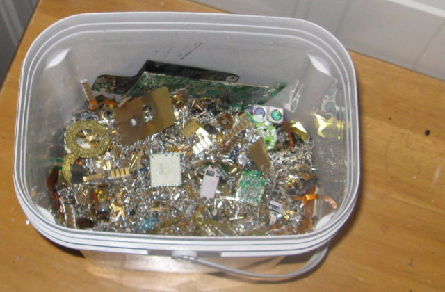 Your Old Electronics Are Actually Mini Gold Mines