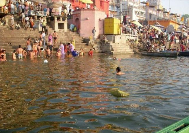 The Shocking and Saddening Littering of the Ganges River