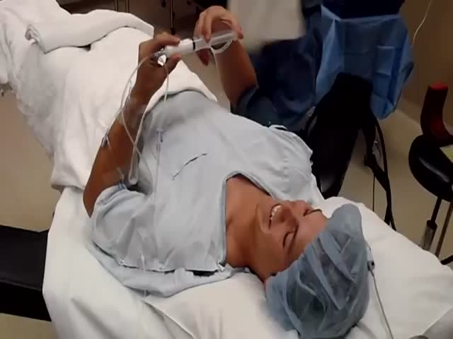 Guy Gets to Knock Himself Out before Surgery