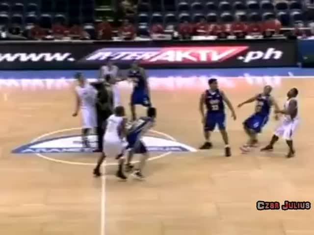 Basketball Player Makes Fools Out of Opponents