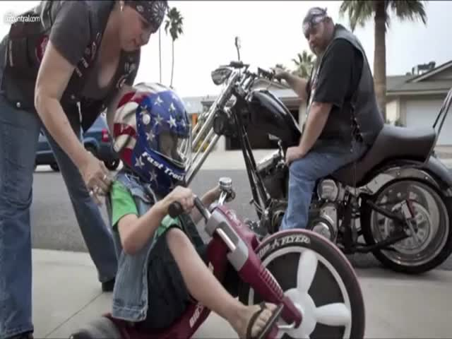 Biker Gang Protects Abused Children to Make Them Feel Safe