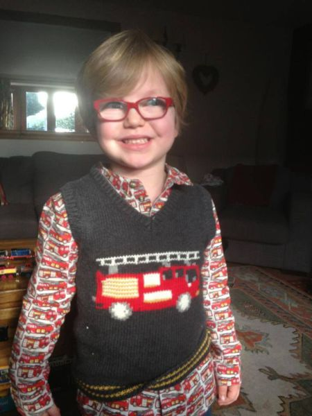 Mom Shows Her Kid That Glasses are Awesome
