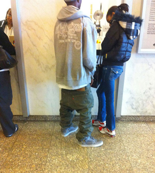 The Sagging Pants Fashion Trend That Makes Absolutely No