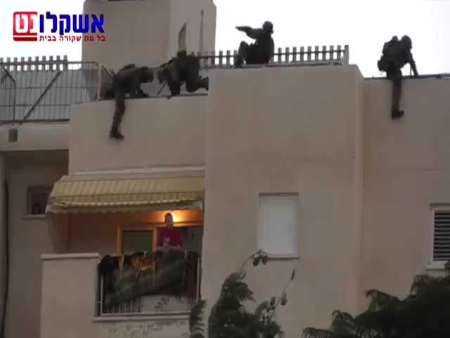 SWAT Team Rescue Operation after Failed Negotiation with Hostage Taker