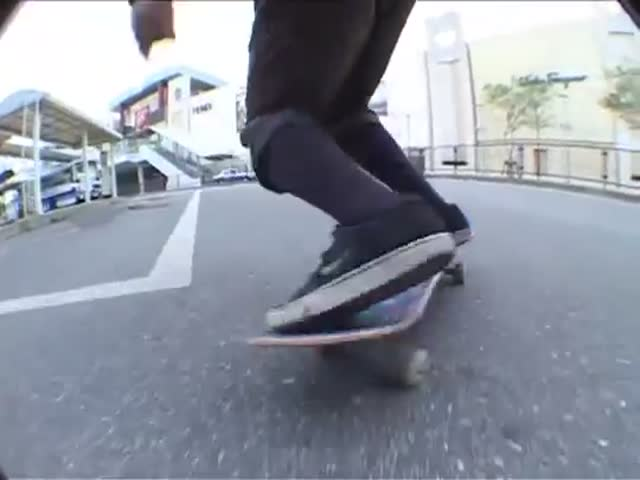 Everything's Different and Kinda Weird in Japan, Even Skateboarding!