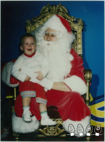 A Sweet Santa Photo Tradition That Spans 34 Years