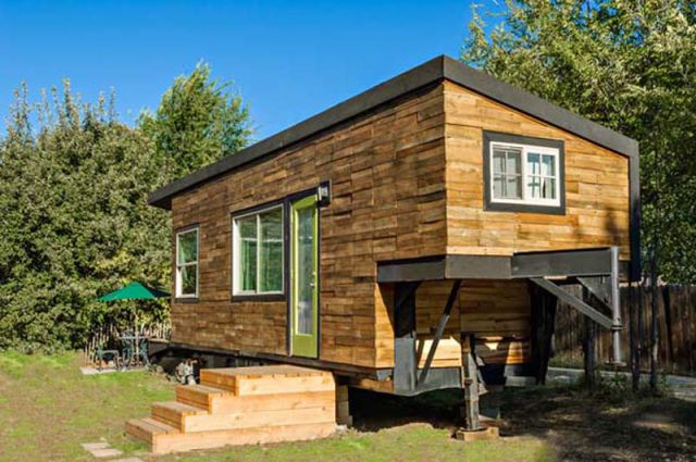 Divorcee Builds the Home of Her Dreams for Only $11,000