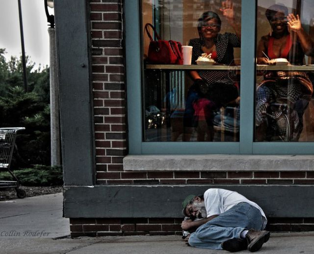 Amazing Photos That Are Overwhelmingly Poignant