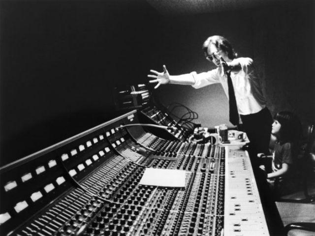 A Collection of Bob Gruen's Best Celebrity Photos