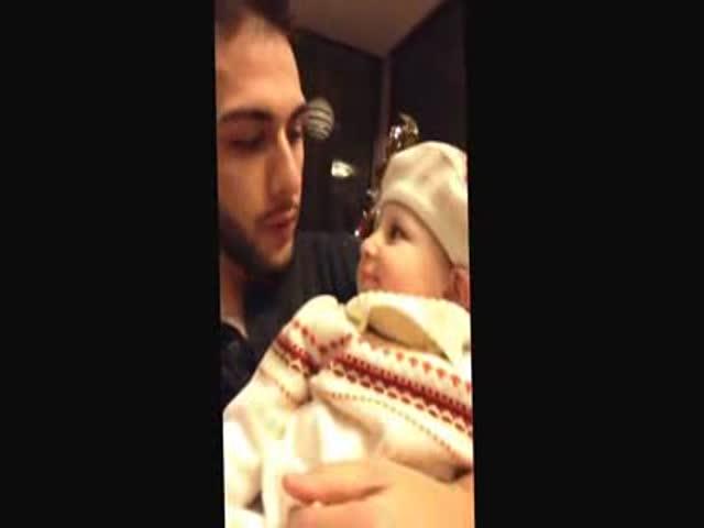 Babies Response to Beatboxing Dad