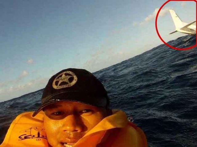 GoPro Camera Records a Plane Crash and Selfie