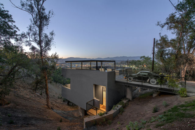 Awesome Cliffside House in LA