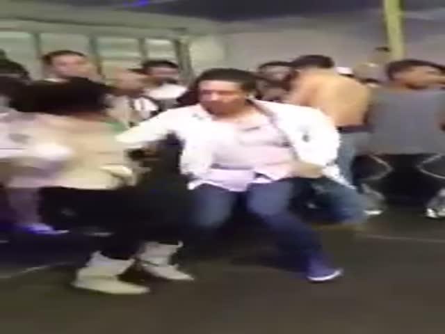 Impressive Mexican Dancing Skills