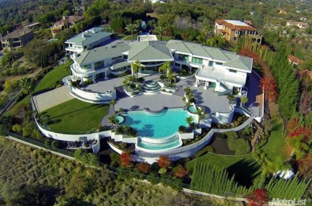 Eddie Murphy's Mansion Is For Sale