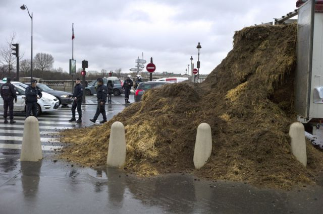 A French Citizen's Smelly Protest in Paris