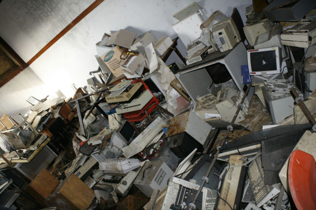 Strange Discoveries Found Inside an Abandoned Building