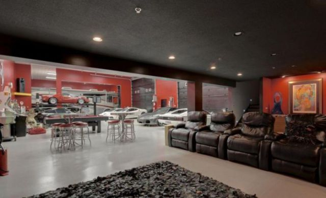 An Awesome Garage That Is Every Man S Dream 22 Pics