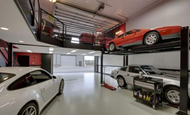 An awesome garage that is every man s dream 22 pics for Auto satisfaction garage