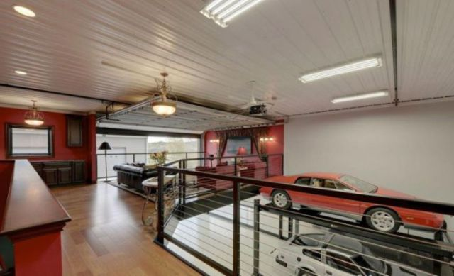 An Awesome Garage That Is Every Man's Dream