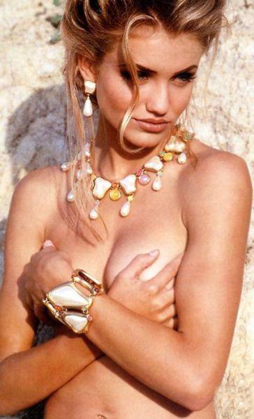 Past Photos of Beautiful Leading Ladies
