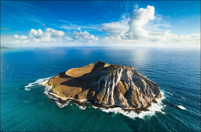A Scenic Aerial View Of The Hawaiian Islands 34 Pics