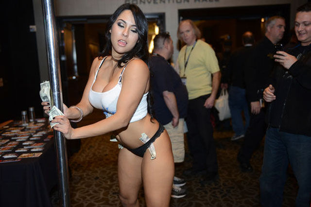 The Sexy Bits of the Las Vegas Adult Entertainment Expo