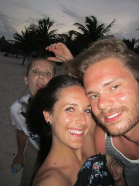 Photobombs That Will Cheer You Up