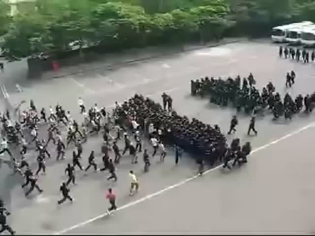 Korean Riot Police Squad Using Ancient Roman Techniques