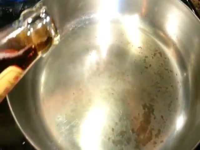 Something Mesmerizing Happens When You Pour Beer into a Hot Frying Pan  (VIDEO)