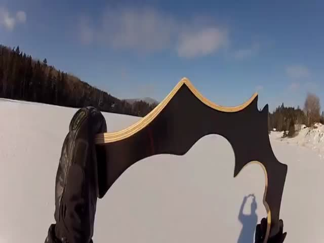 Batman's 'Batarang' in Real Life  (VIDEO)