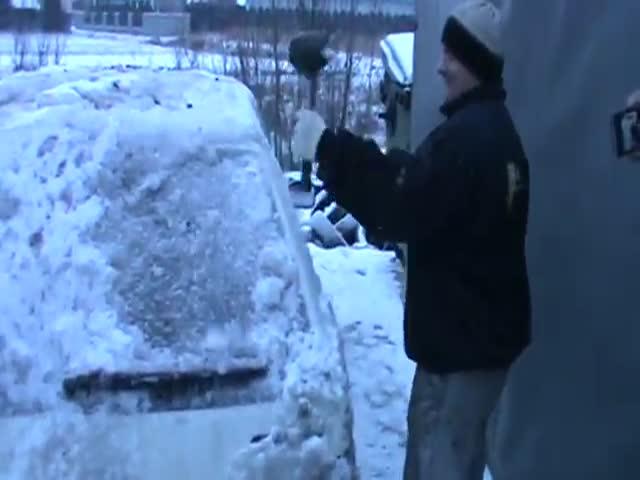 How to De-Ice a Car, Polish Style!  (VIDEO)