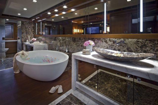Awesome Luxury Yacht