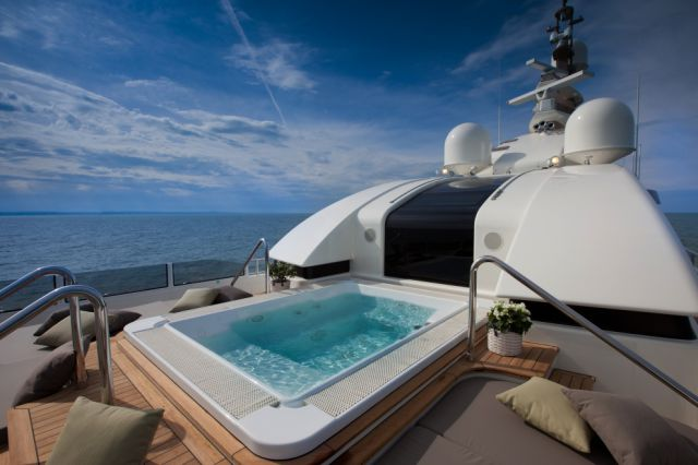 Awesome Luxury Yacht