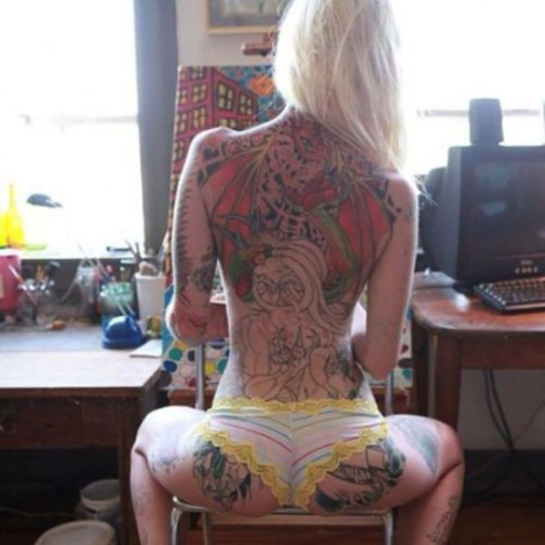 Hot Ladies Who Like Their Ink