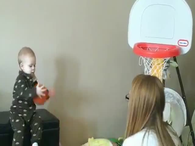 15-Month-Old Baby Basketball Prodigy Never Misses a Shot  (VIDEO)