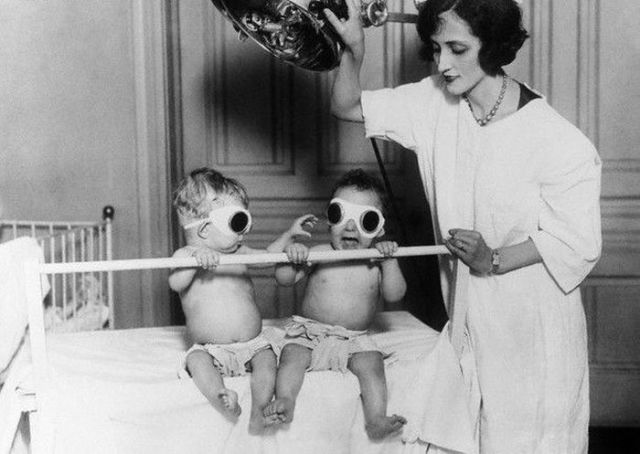 Kinda Creepy Medical-Related Images from the Past