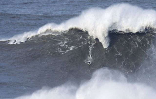 Surfer Nails 24 Meter Wave and Breaks Records