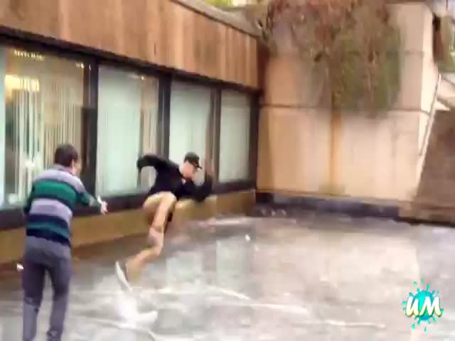 People Falling trough Ice Compilation  (VIDEO)