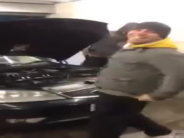 Hey, Psssst!  (VIDEO)