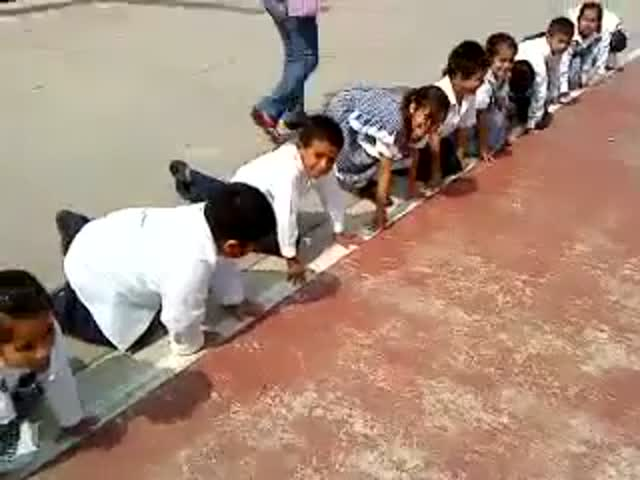 Chubby Kid Cheats in School Race..