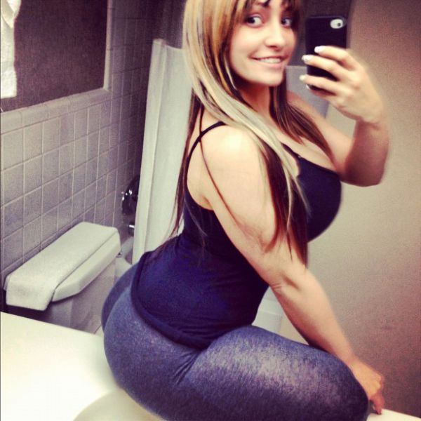 Girls with Killer Curves