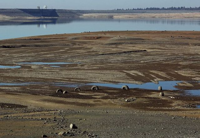 Folsom Lake Disappears Before Our Eyes